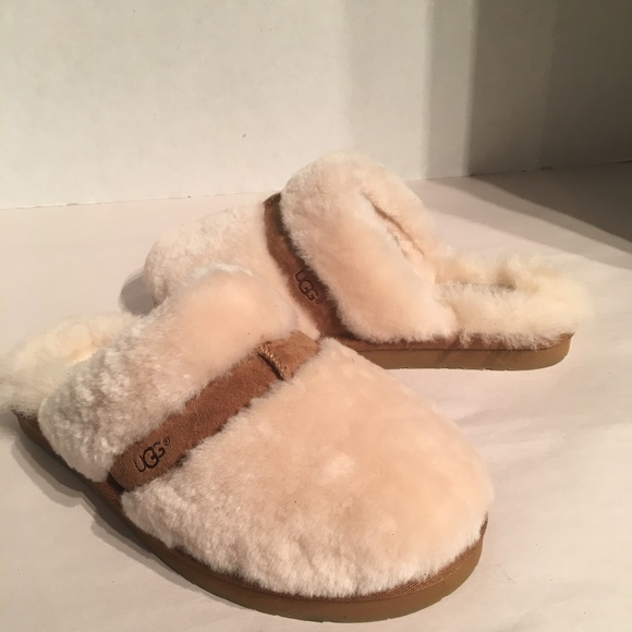 01ea8af497d Ugg Women's Dalla Chestnut Sheepskin Slippers
